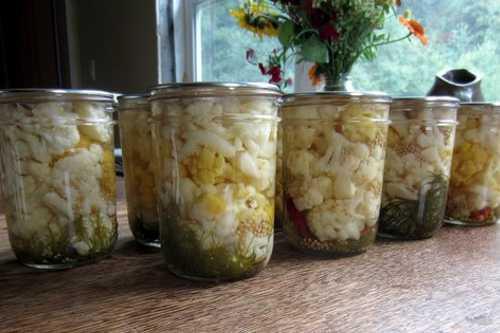 Очень вкусная маринованная цветная капуста на зиму: 7 лучших рецептов