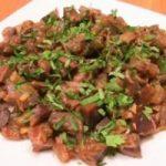 Миниатюра к статье Как приготовить куриные желудки, чтобы были мягкими и сочными