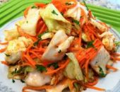 Миниатюра к статье Как приготовить капусту по-корейски в домашних условиях: быстрая закуска за 14 часов