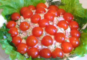 Миниатюра к статье Салат «Красная шапочка» с помидорами: 5 рецептов с фото + новые идеи