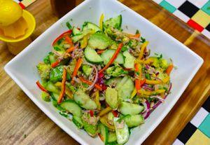 Миниатюра к статье Салат с авокадо и тунцом: ТОП-9 простых рецептов + калорийность и красивые идеи с фото