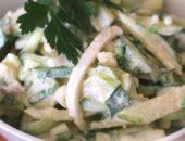 Миниатюра к статье Салат с кальмарами и яйцом и огурцом: ТОП-7 рецептов, калорийность и много идей