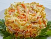 Миниатюра к статье Салат с копченой курицей и корейской морковью: 11+ рецептов и много идей