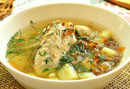 Миниатюра к статье Как приготовить гречневый суп с курицей — 10 вкусных рецептов