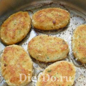 котлеты из щуки с сыром на сковороде