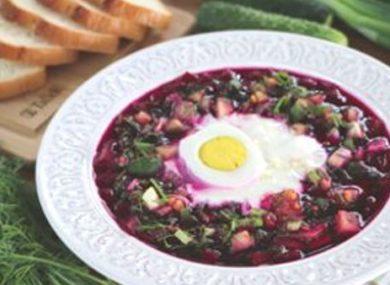 Миниатюра к статье Классический холодный свекольник: 8 рецептов на кефире, воде, без мяса и с творогом + диетические идеи и КБЖУ