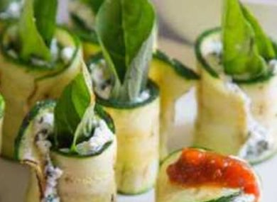 Миниатюра к статье Рулетики из кабачков: рецепты с фото + начинки на любой вкус