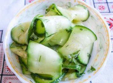 Миниатюра к статье Маринованные кабачки за 2 часа — 4 рецепта быстро и вкусно