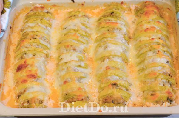Кабачки запеченные с фаршем в духовке с сыром