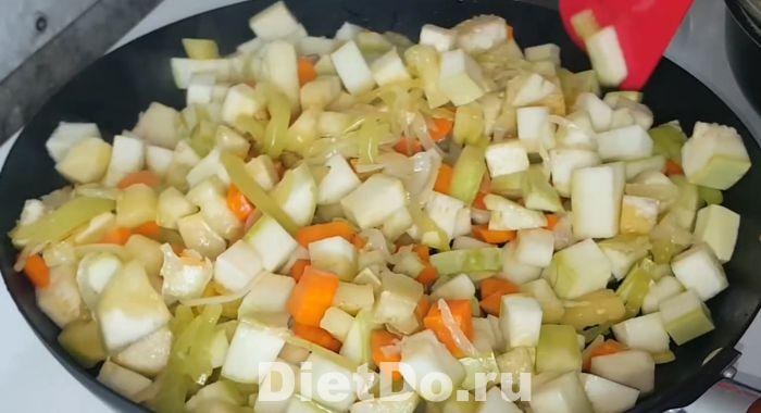 рагу из кабачков и баклажанов и картофеля рецепт приготовления на сковороде