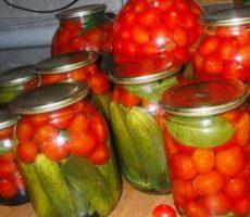маринованные огурцы с помидорами ассорти на зиму рецепт